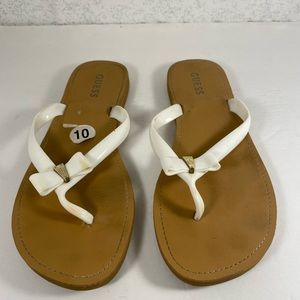 Guess Tan & White Bow Flip Flop wGold Toned Accent
